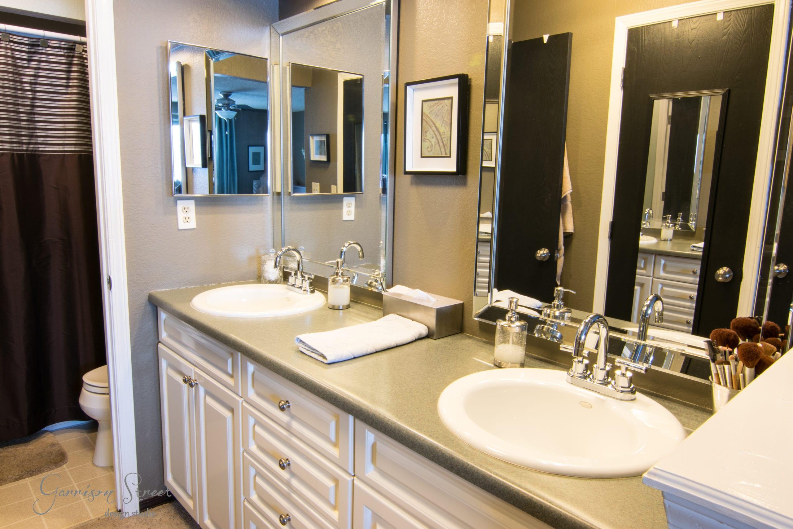 Master Bathroom DEMO DAY!!!