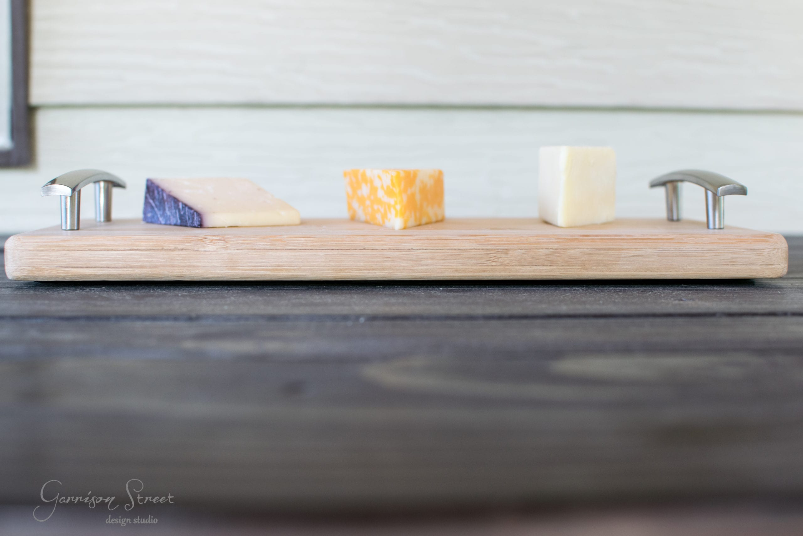 10 Minute DIY Serving Tray