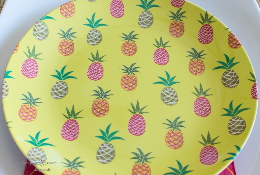 Pineapple Spring Tablescape