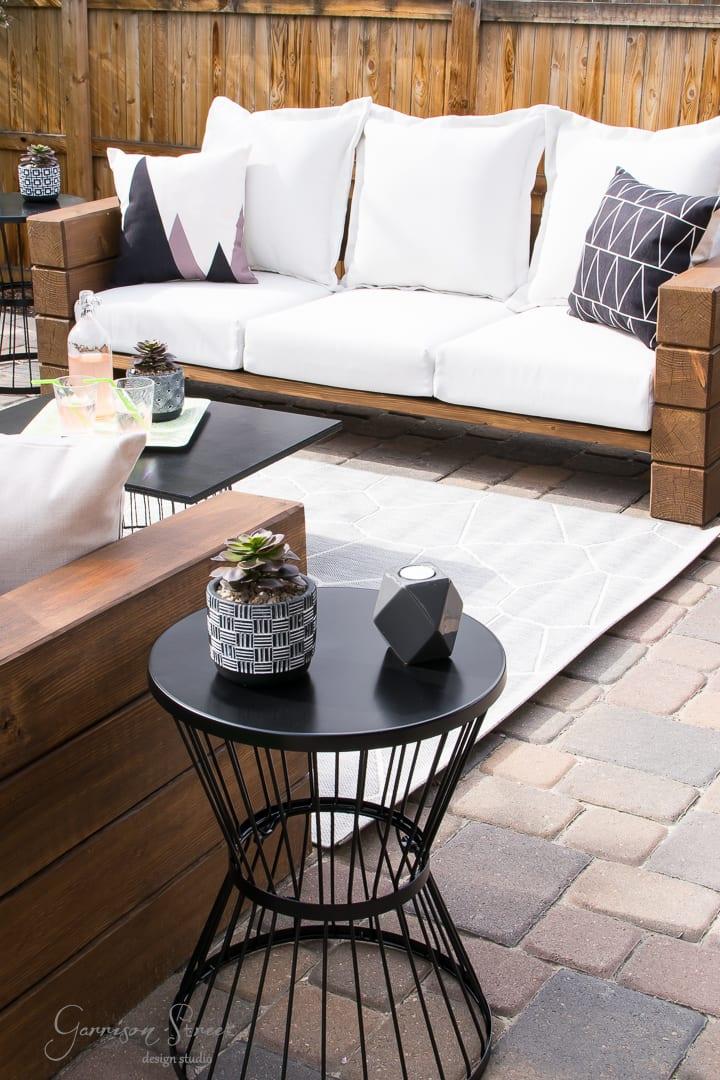Casual Modern Backyard Patio Reveal