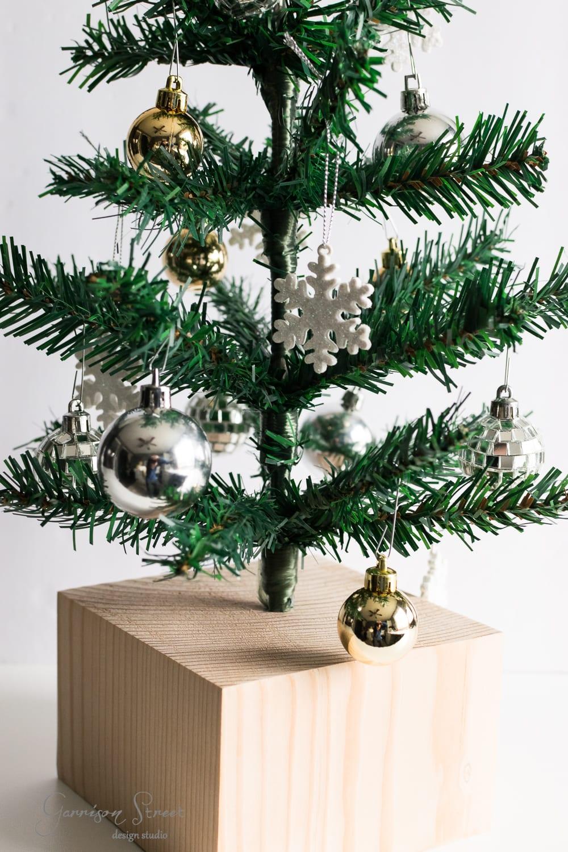 DIY Dollar Store Christmas Tree Hack